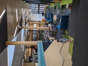 Sebelum lockdown. Perpustakaan sudah mulai dibatasi pengunjungnya, Tapi masih buka